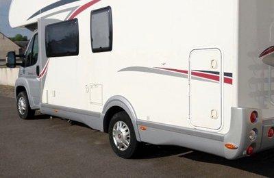 Camping-car Capucine Challenger Genesis 65 - 7 Couchettes en location à Feuquieres En Vimeu