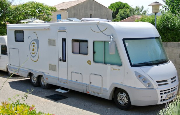 Location camping car int gral mireval bavaria poids - Camping car poids lourd avec garage voiture ...