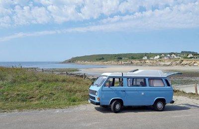 Van Volkswagen Transporter en location à Sulniac