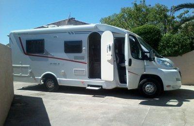 Camping-car Profilé Dethleffs Globe S en location à Santa-Lucia-Di-Moriani
