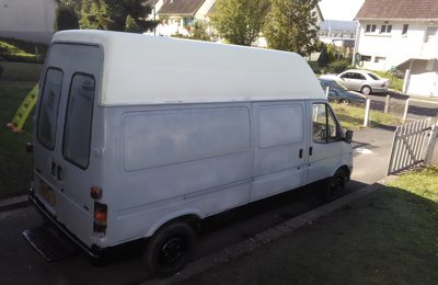 Fourgon aménagé Ford Transit Fourgon en location à Le Petit Quevilly