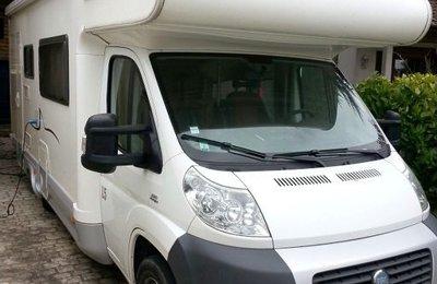 Camping-car Capucine Sharky L5 en location à Tremblay En France