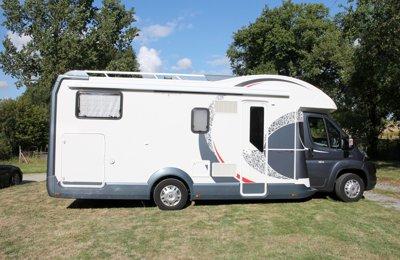 Camping-car Profilé Roller Team T-Line Magnifico 285 M en location à Courbevoie