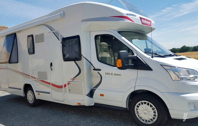 Picture of Low profile motorhome Challenger 398 Eb
