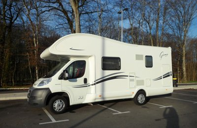 RV Coachbuilt Fiat Mc Louis Glamys 22 For rent in Simiane-Collongue