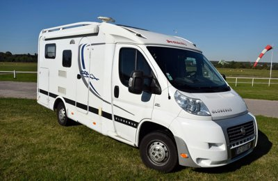 location camping car profil mirecourt fiat challenger mageo 119 eb 2013 yescapa. Black Bedroom Furniture Sets. Home Design Ideas