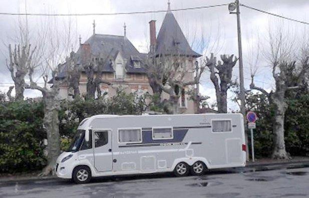 location camping car int gral quintin autostar poids. Black Bedroom Furniture Sets. Home Design Ideas