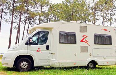 RV Low profile Joint Z 480 For rent in Marcheprime