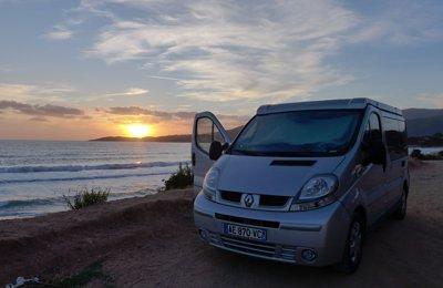 Converted van Renault Trafic L1H1 Dci 100Cv For rent in Aix-En-Provence