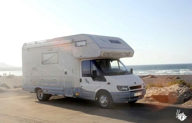 Noleggio camper mansardato teguise ford transit rimor 2000 yescapa - Camper 8 posti letto noleggio ...