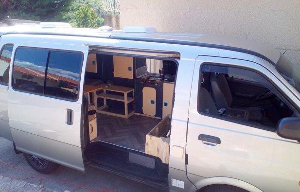 location van montpellier kia pregio 2 0 2000 yescapa. Black Bedroom Furniture Sets. Home Design Ideas