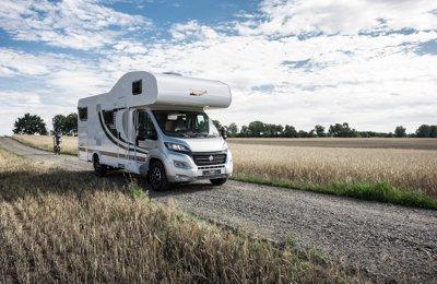 """Camping-car Capucine Orangecamp Oc7 """"Bergischer Panther"""" en location à Burscheid"""