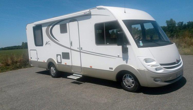 Noleggio camper integrale villeneuve tolosane burstner viseo 726 2012 yescapa - Camper 8 posti letto noleggio ...