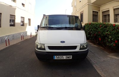 Kastenwagen Ford Transit zu vermieten in Las Palmas De Gran Canaria