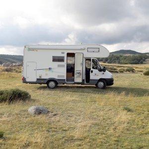 Coachbuilt motorhome rental - Rémi