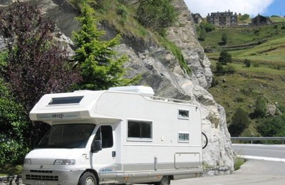 Camping-car Capucine Elnagh King 2009 en location à Rennes