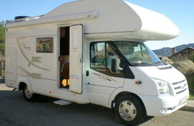 6fb807d60a Coach-built Motorhome Ford Lmc Caravan To rent in Manzanares el real