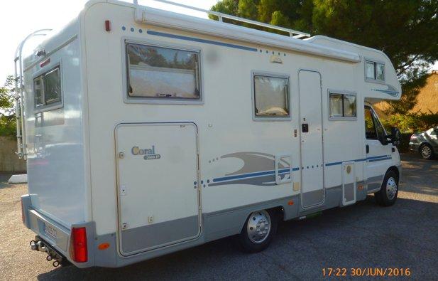 location camping car capucine vitrolles adria 660sp 2003 yescapa. Black Bedroom Furniture Sets. Home Design Ideas